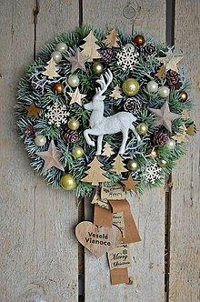 Dekorácie - Vianočný veniec s jeleňom - 10147221_