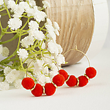Náušnice - Malé kruhové náušnice s brmbolčekmi - červené, vianočné - 10147323_