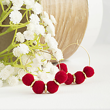 Náušnice - Malé kruhové náušnice s brmbolčekmi - bordové, vianočné - 10147349_