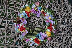 Dekorácie - Venček z lúčnych kvetov. - 10146317_