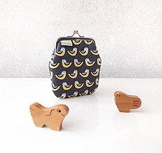 Peňaženky - Peňaženka Vtáčiky na šedej - M - 10143015_