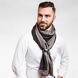 Doplnky - Pánsky exkluzívny ľanový šál s koženým remienkom - 10150319_