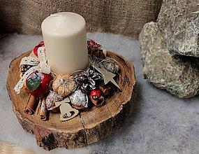 Svietidlá a sviečky - Vianočný svietnik _ prírodný na dreve - 10151146_