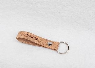Kľúčenky - Korková kľúčenka na želanie - 10150502_