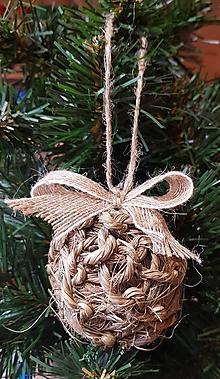 Dekorácie - prírodné motúzové prepletané gule na stromček s jutovou stuhou - 10148972_