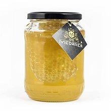 Potraviny - Agátový med s medovým plástom - 10152231_
