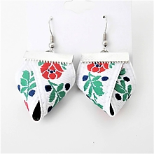 Náušnice - Folklórne biele modré červené čierne kvetinové náušnice mini  (Biela) - 10150739_