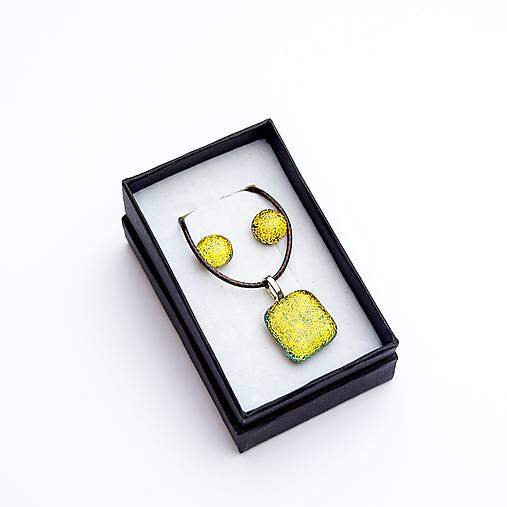 Zlato-žltá sada sklenených šperkov
