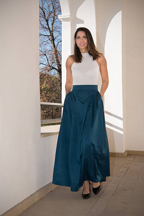 33b282d4d352 Skladaná dlhá sukňa s vreckami - petrolejová   miracles.style ...