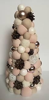 Dekorácie - Vianočný bombuľkový stromček - 10153974_