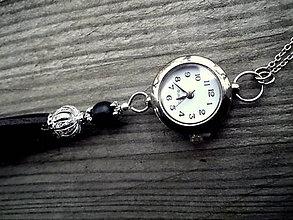 Náhrdelníky - dámske hodinky na krk so strapcom - 10159246  942696637cd