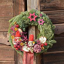 Dekorácie - Vianočný venček zo živej jedličky - 10159666_