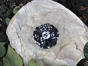 Odznaky/Brošne - Panda s kvetinkou - 10158815_