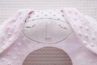 Úžitkový textil - poduška do auta zajka - 10162554_