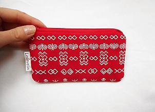 Peňaženky - Peňaženka/dokladovka - Čičmany v červenej - 10162381_
