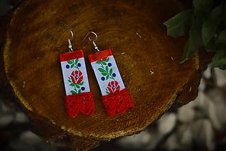 Náušnice - Folklórne náušnice s krajkou - 10167019_