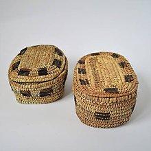 Krabičky - Košíkový box z jemných palmových listov zdobený prírodnou kožou - 10167438_