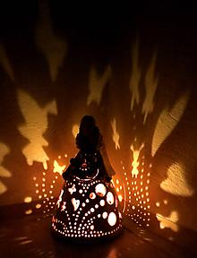 Svietidlá a sviečky -