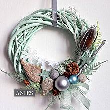 Dekorácie - Vianočný veniec - tyrkysovo sklenený. - 10164652_