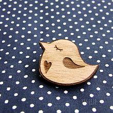 Odznaky/Brošne - Drevený odznak vtáčik svetlý - 10164234_