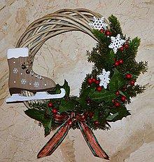 Dekorácie - Vianočný veniec - korčuľa - 10167288_