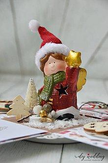 Papiernictvo - Vianočná darčeková krabička Dievčatko - 10171276_