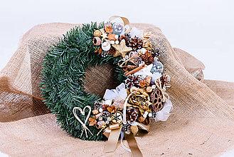 Dekorácie - Vianočný veniec zlatá ruža - 10172195_