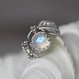Prstene - Strieborný anjelský prsteň s mesačným kameňom - S Tebou - 10170046_