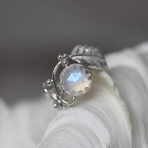 Strieborný anjelský prsteň s mesačným kameňom - S Tebou