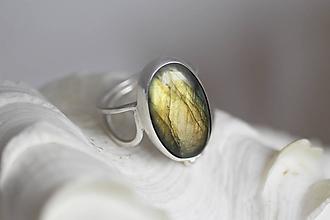 Prstene - Strieborný prsteň s labradoritom - Line Labradorite - 10169953_