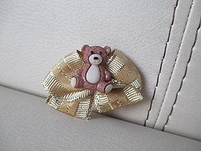Odznaky/Brošne - Brošňa - medvedík s mašličkou - 10172751_