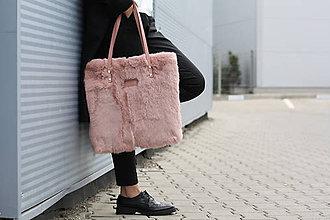 Veľké tašky - Koženo-kožušinová SHOPPER kabelka-PUDROVO-RUŽOVÁ - 10169525_