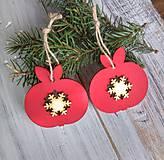 Dekorácie - Vianočné drevené ozdoby Jabĺčko - 10169290_