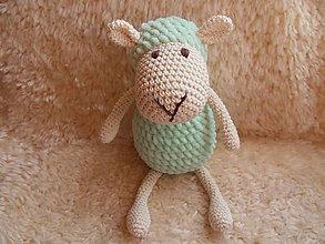 Hračky - Milá háčkovaná ovečka (Zelená) - 10169076_