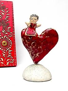 Dekorácie - anjel na srdci - červené - 10169561_
