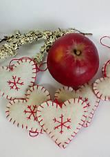 Dekorácie - Vianočné ozdoby - srdiečka - 10172444_