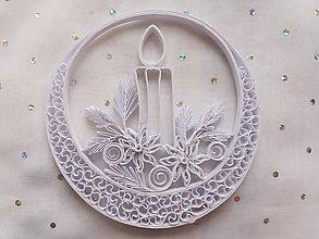 Dekorácie - Vianočná biela dekorácia so sviečkou - 10173471_