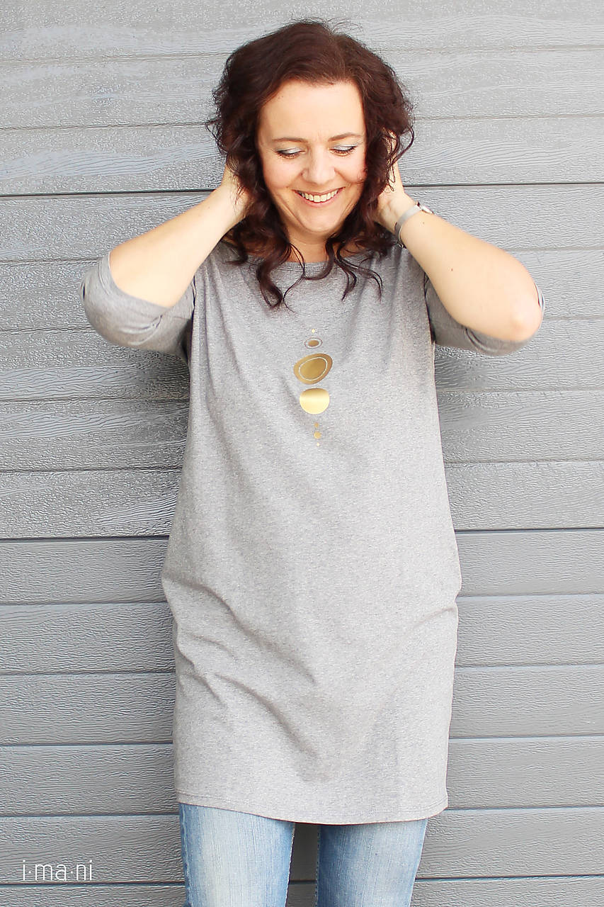 3a692b1508 Dámske šaty s vreckami sivé z úpletu M15 IO18   imani - SAShE.sk ...