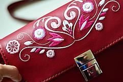 Kabelky - LEA kabelka vyšívaná (bordová) - 10175683_