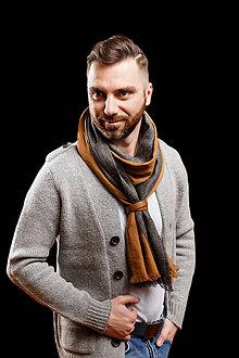 Doplnky - Pánsky exkluzívny ľanový šál s koženým remienkom - 10176641_