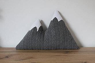 Textil - Dekoračný vankúšik Zasnežené hory - 10175218_