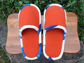 Obuv - Oranžové papuče s modro bielym lemom - 10177724_