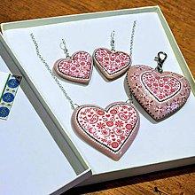 Iné šperky - Drevený prívesok na kabelku – staro-ružové srdce - 10174572_