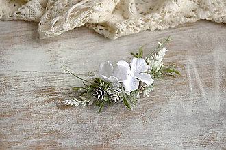 Ozdoby do vlasov - Kvetinový hrebienok ,,biely,, - 10177782_