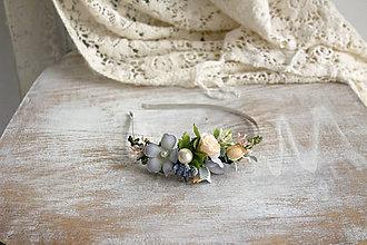 Ozdoby do vlasov - Kvetinová čelenka ,,belasá,, - 10177855_