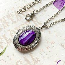 Náhrdelníky - Oval Violet Agate Locket Necklace / Oválny otvárací medailón s dračím achátom /1255 - 10179882_