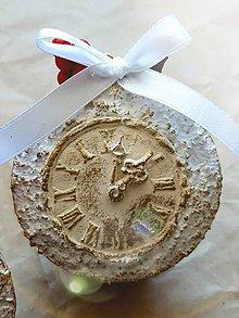 Dekorácie - Vianočná guľa s hodinami - 10182575_