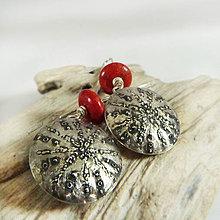 Náušnice - Stříbrné náušnice s korálem Eri Al - 10181800_