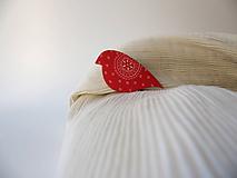 Odznaky/Brošne - ,,Pipi,,červený ornament - 10180588_