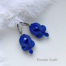 Náušnice - Ručne šité šujtášové náušnice / Soutache earrings - Swarovski®️crystals (Ana - kráĺovská modrá - mini) - 10183341_